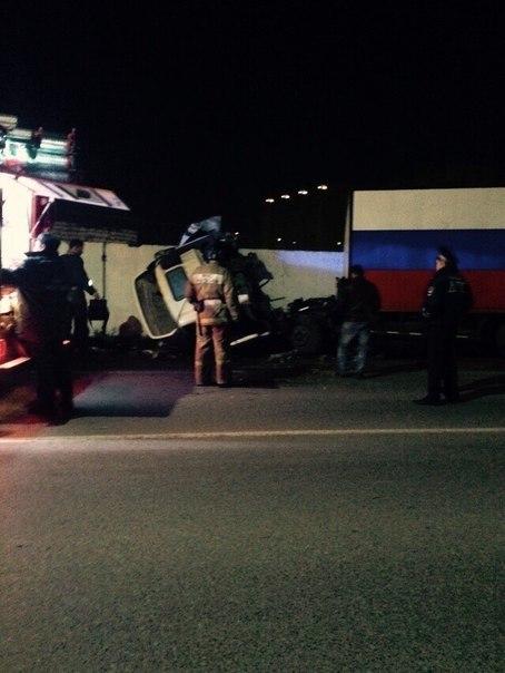 На Малиновского в Тюмени водитель большегруза попал в ДТП - 15 сентября 2015 года